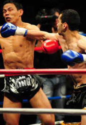 Coup de poing direct Sofian Seboussi (Team RMB) vs Rambo au Contender 2008