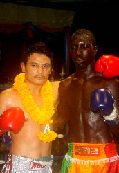 http://www.rmboxing.com/images/stories/photos/news/sekou_vs_saiok_thailande/dembele_sekou_saiok_sutat_rmboxing_vignette.jpg