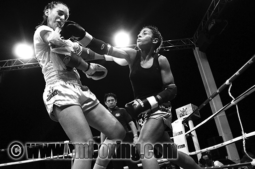 Lailla Akounad rmboxing face à l'anglaise Laurenne Tue