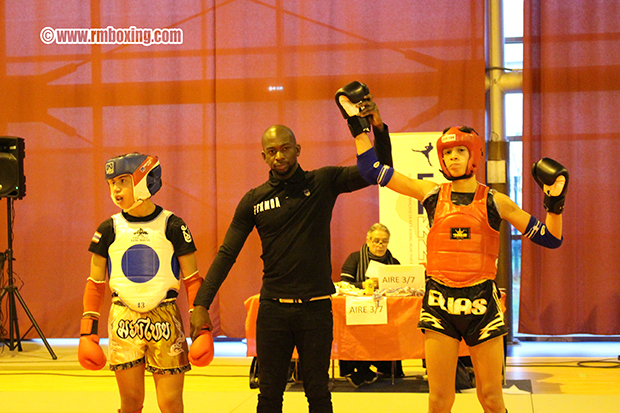 elias sbisa mboxing champion d'île de france  muay thai