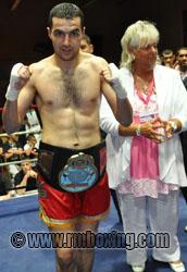 Sofian Seboussi du RMBOXING St-Ouen, champion d'Europe au Gala du Luxembourg